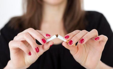 Unggah Foto Merokok Munculkan Perokok Remaja Baru