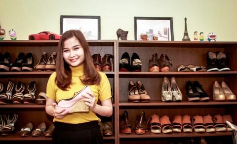Sepatu Buatan Valentina Melenggang di Jakarta Fashion Week